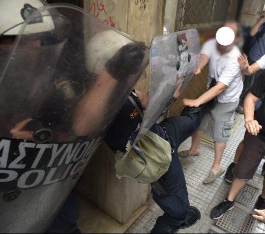 Δελτίου τύπου – Για την επίθεση των ΜΑΤ εναντίων πολιτών που διαμαρτύροντα για πλειστηριασμό.